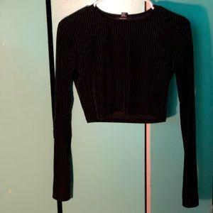 F21 black long sleeve crop top